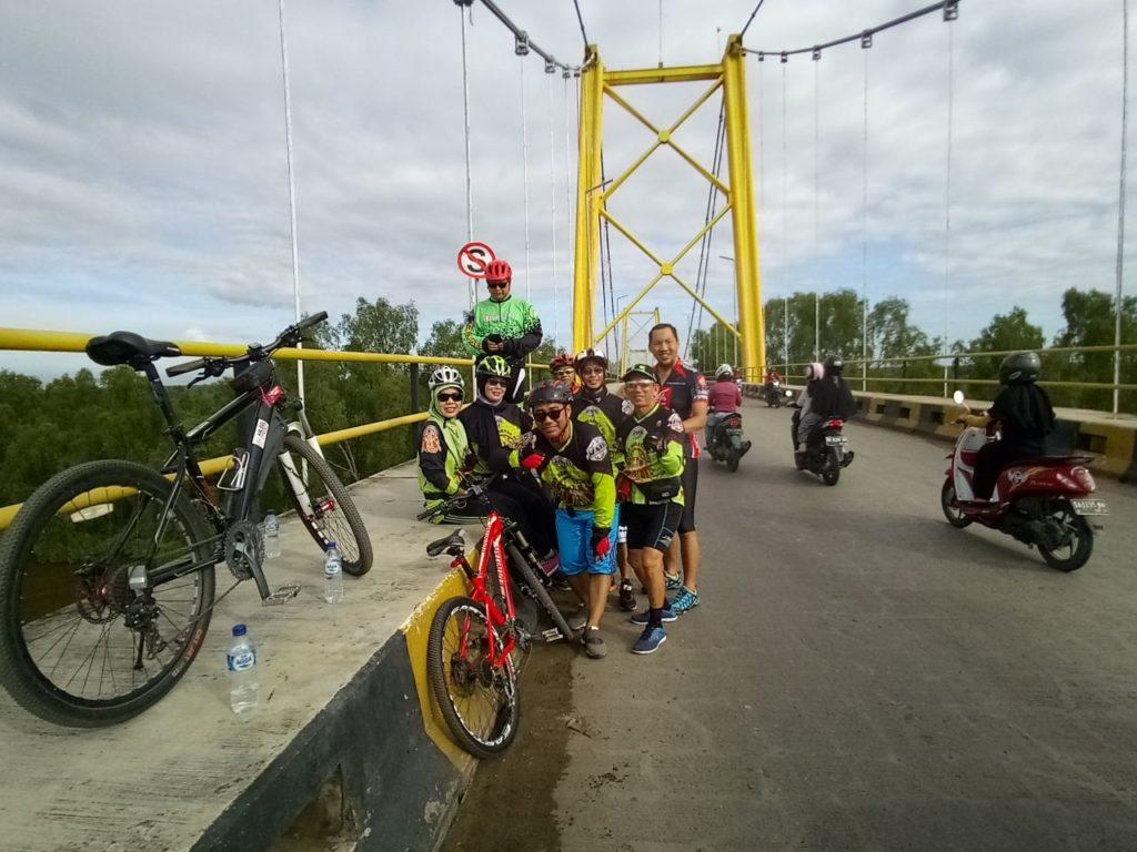 Relax At The Barito Bridge
